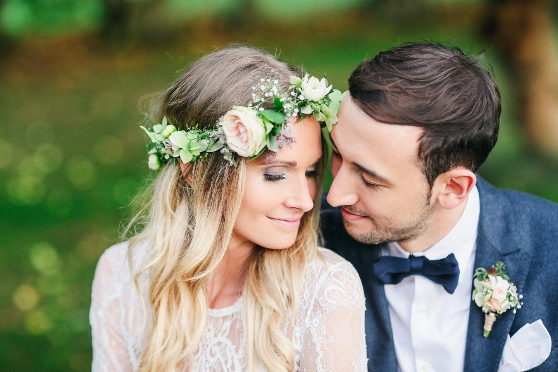 Julia & Florian: Rustikale DIY-Romantik auf dem Gutshof