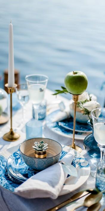 Romantisch Blau machen: Eine Hausboot-Liebe am See
