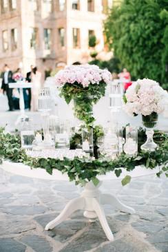 Begüm & Emre: Romantischer Hochzeitstraum aus Pfingstrosen