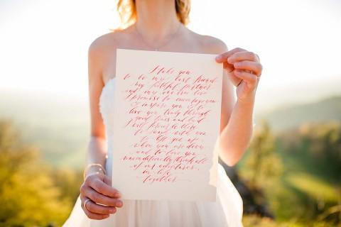 Romantisches Elopement in Rot & Weiß auf dem Zeller Horn
