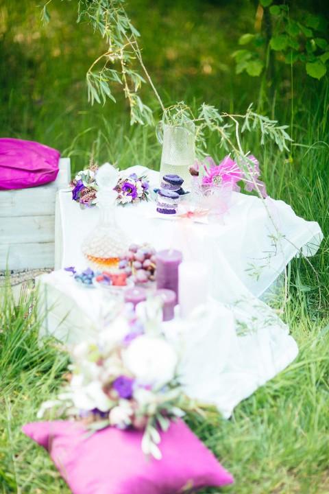 Ein Picknick mit der Liebe im Gepäck