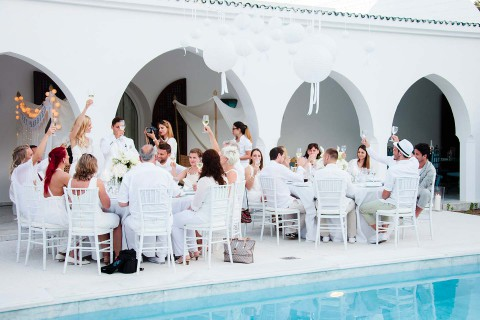 Nina & Michi: Eine Ibiza-Traumhochzeit wie aus dem Bilderbuch