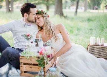 Svenja & Niki's sommerliche DIY-Vintage Wedding