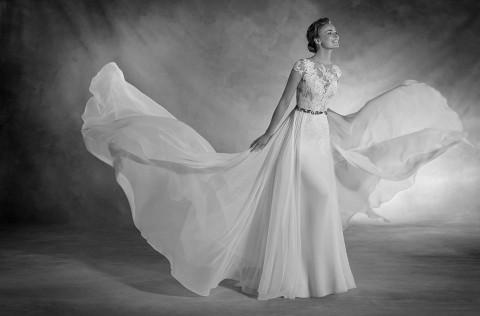 Stoffe, aus denen Hochzeitsträume sind: Pronovias 2017