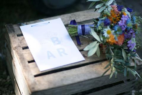 Elegante Hochzeitsidee im Hütten-Ambiente