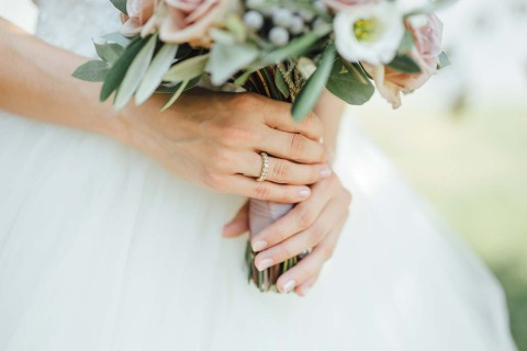 Alexandra & Flavius: Hochzeit mit purer Garteneleganz in Wien