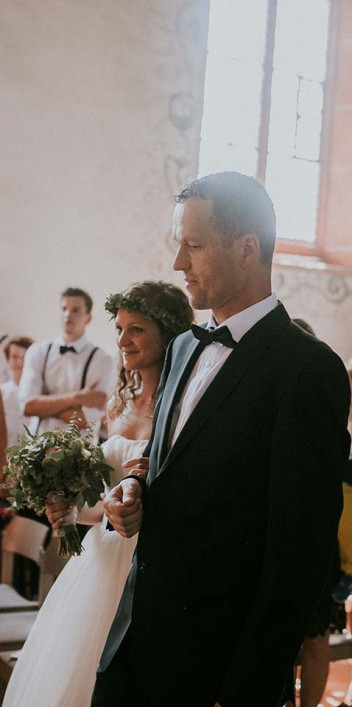 Hanna & Timo: Kirchenromantik und Vintage-Eleganz