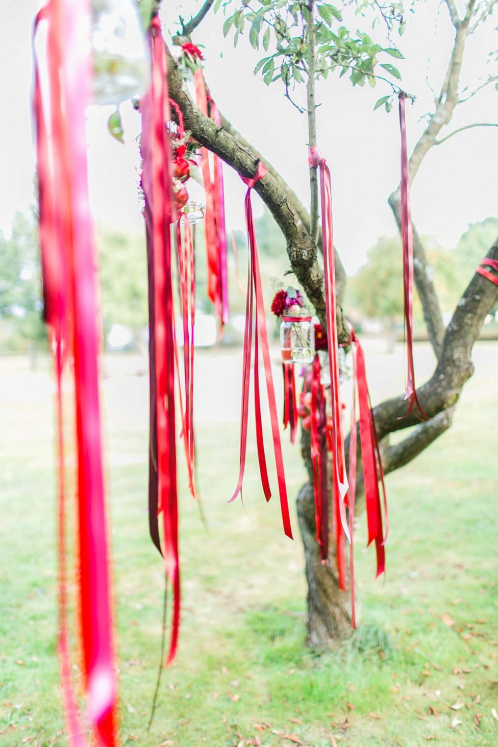 Hochzeitsinspiration: Ein Boho-Traum in Beeren-Farben