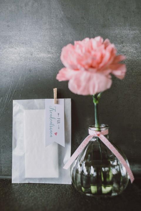Christina & Peter: pastellene Landhochzeit zu Dritt