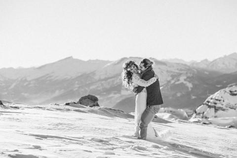 Winter-Elopement-Inspiration in den Bergen