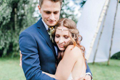 Anja & Matthi: Sonnenblumen-Hochzeit im Schlosshotel Purschenstein