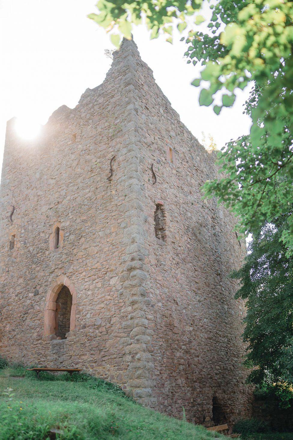 Burgruine Schauenburg: Natürlichkeit trifft Tradition
