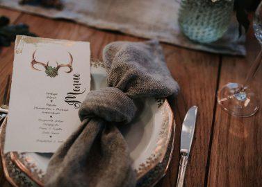 Hochzeitsinspiration: Nüchterne Alm-Romantik