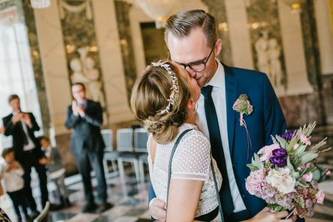 Maren & Benedikt: Urban-Romantische Hochzeit