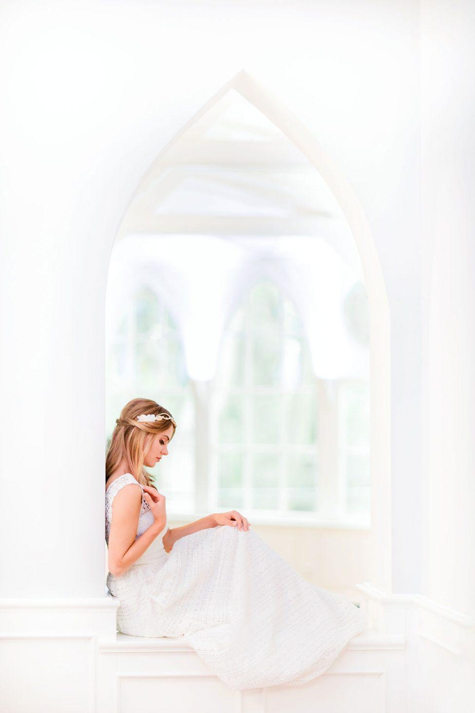 Brautkleider 2018: Moderne Muse & verspielte Poesie