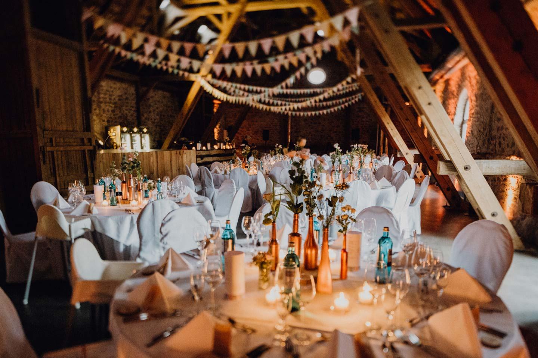 Eleni & Johannes: rustikale Hochzeit mit Pastellliebe