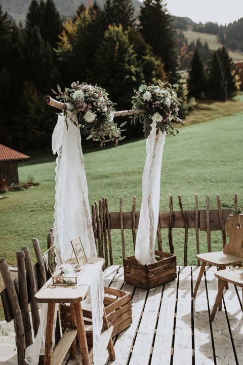 Eva & Daniel: Alpine Vintage-Hochzeit