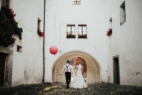Anja & Christoph's warm leuchtende Herbsthochzeit in rot