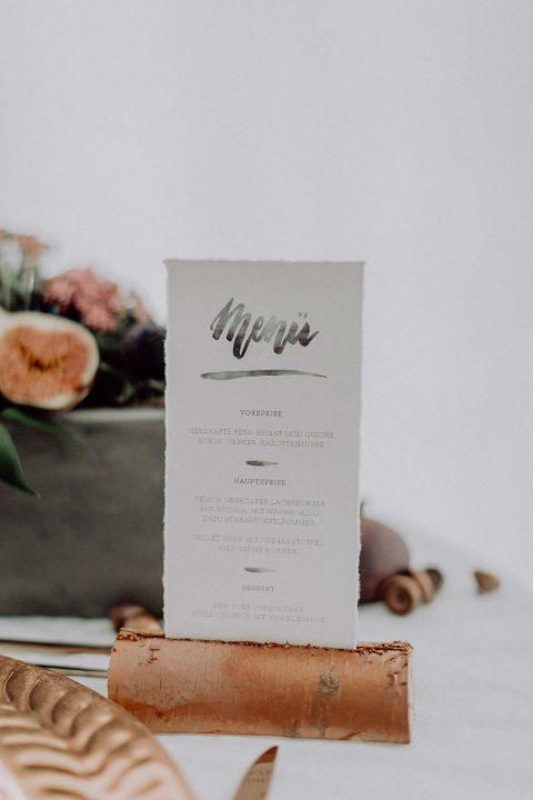Moderne Beton-Kupfer-Hochzeitsromantik