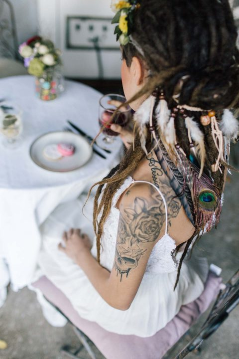 Gleichgeschlechtliche Hippie-Hochzeitsinspiration
