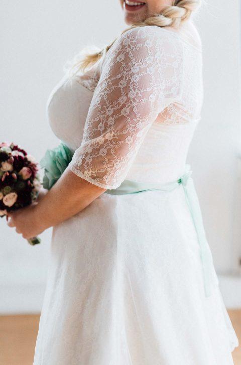 Gleiches Kleid für alle – küssdiebraut Brautmode CURVY!