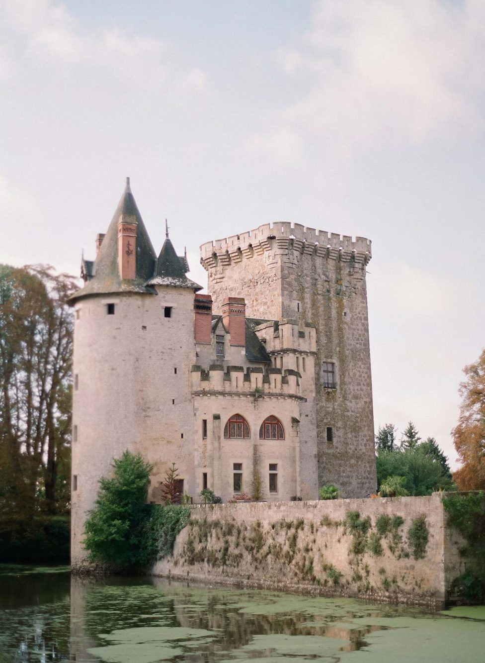 Karla & Daniel: Herrschaftliche Chateau-Hochzeit in Frankreich