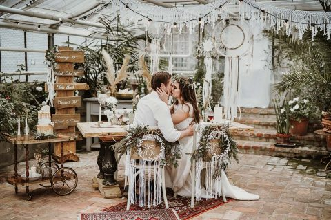 Hochzeitsboho-Magie im Gewächshaus
