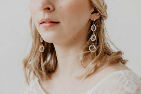 Zauberhafte Brautstyling-Ideen mit Headpieces