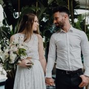 Urbane Hochzeitsinspiration im Greenery Stil