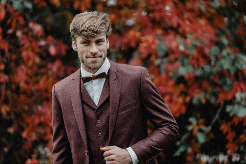 Satte Farben für den stilvollen Bräutigam