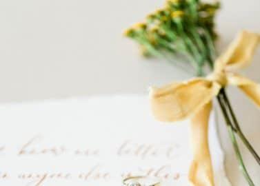 Pastellfarbene Hochzeitsinspiration auf Burg Wertheim