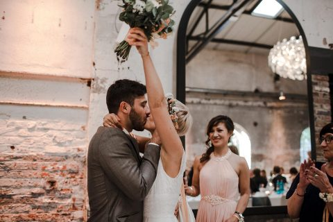 Tjalda & Wowa: Shabby-Chic Hochzeit im New York Harbour Club Köln
