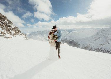 Winterhochzeitsinspiration in den Südtiroler Bergen