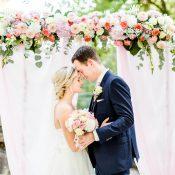 Jenny & Georg: Sommerliche Hochzeit im Schloss Grünewald