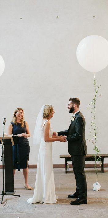 Rebecca & David: Berliner Hochzeit im Güterbahnhof Von Greifwald