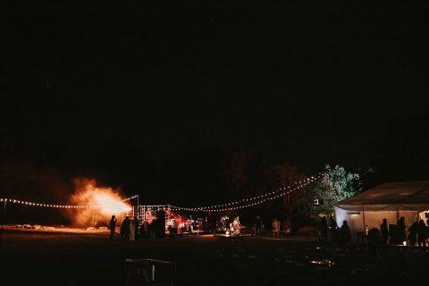 Franziska & Leon: Boho-Wiesenhochzeit im Sommer