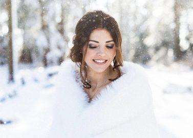 Märchenhochzeitsinspiration im Schnee