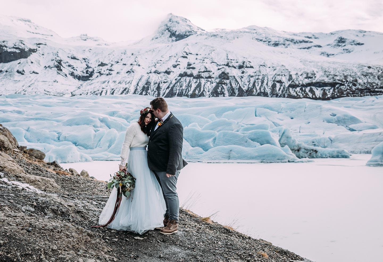 Elopement auf dem Svinafellsjökull Glacier in Island