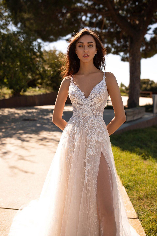 Blütenkleider perfekt für eine elegante Gartenhochzeit Brautkleider