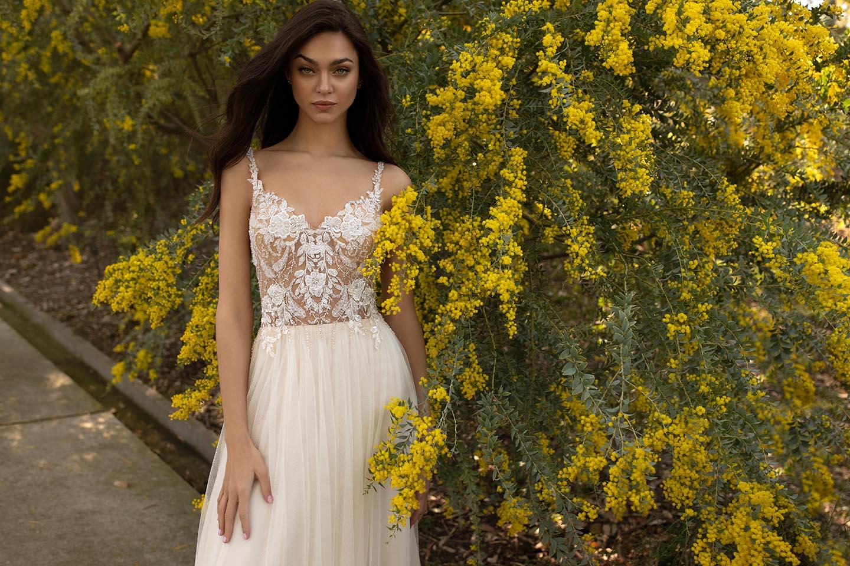 Blütenkleider perfekt für eine elegante Gartenhochzeit