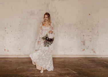 Boho-Hochzeitsinspiration in der Alten Industriehalle