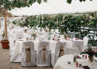 Moderne DIY-Hochzeit im Glashaus Burgkirchen