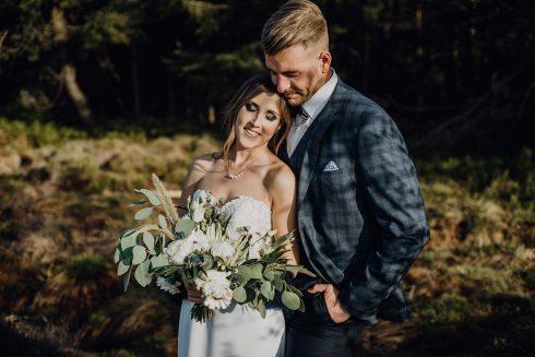 Hochzeitsinspiration Grindehütte: kühl & rauchige Blauetöne