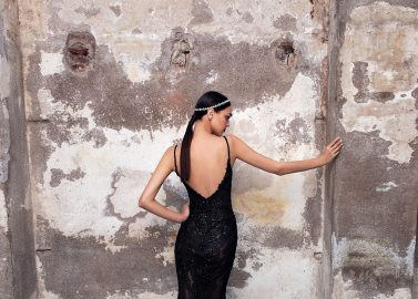 Nachtschwarze Abendkleid-Kollektion Black Carat