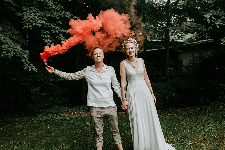 Villa Kunterbunt: Braut-Hochzeit im Boho-Hippie-Stil