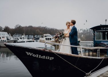 Marina Eldenburg: Boho-Winterhochzeitsidee im Hafen