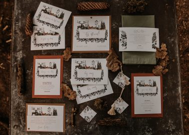 Romantische Elopement Wald-Hochzeit zu zweit