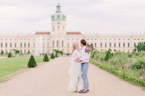 Verlobung in Berlin im romantischen Stil