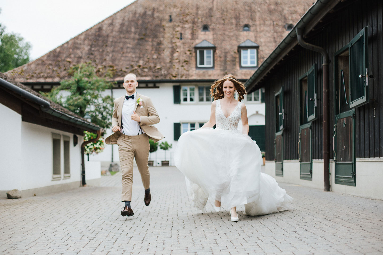 Hofgut Albführen: einfach-schöne Hof-Hochzeit