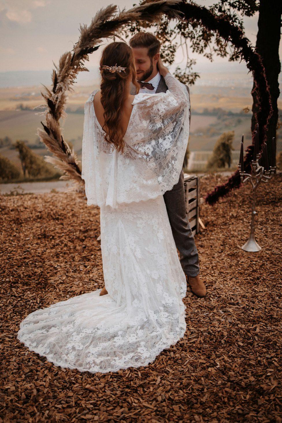Hochzeitseleganz in herbstlicher Verspieltheit